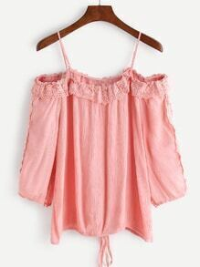 Top con hombros descubiertos de croché y cordones-rosa