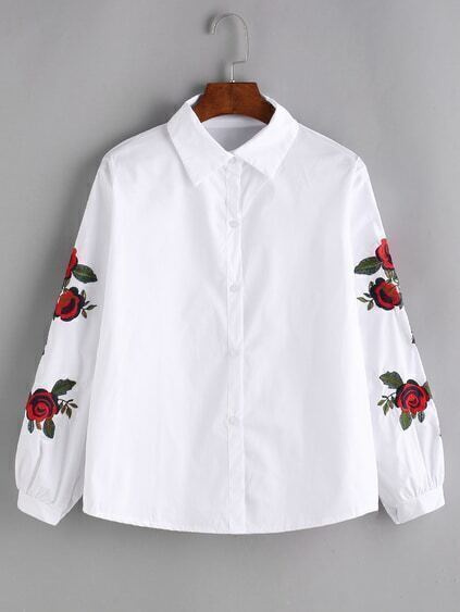 Shirt blanc et bordé rose
