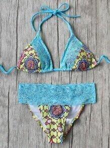 Set bikini en triángulo con estampado floral y detalle de encaje - azul