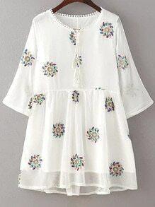 Vestido con bordado de flor doble capas - blanco