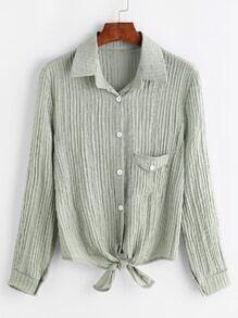 Blusa de canalé con bolsillos en el pecho y cordón en la parte delantera - verde