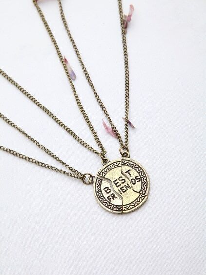 Letter Detail Friendship Chain Necklace
