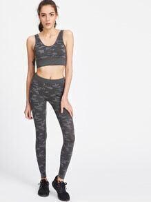 Top corto con estampado camuflaje con leggings - gris oscuro
