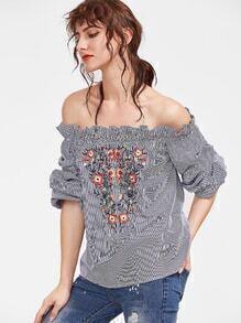 Top de rayas con hombro al aire y bordado de flor - marino