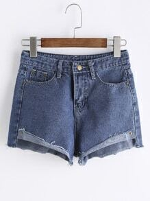 Shorts en denim irregular con borde crudo