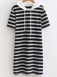 Vestido estilo camiseta contraste de rayas con cordones y capucha