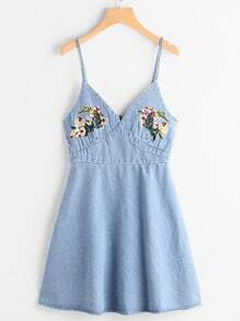 Robe en denim brodée Cami