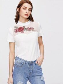 Camiseta de mangas cortas con aplicación de rosa - balnco