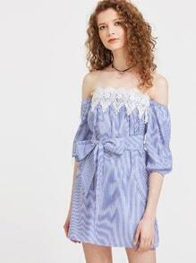 Vestido de rayas verticales de croché en contraste