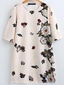 Vestido bordado de flor de manga de codo