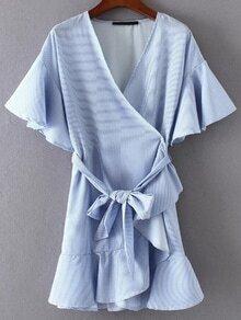 Vestido cruzado fruncido de manga campanuda con nudo