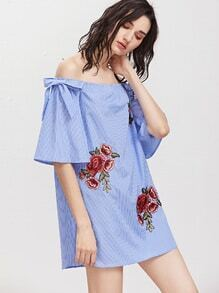 Blau gestreift weg vom Schulter-Bogen-Detail gesticktes Applique-Kleid
