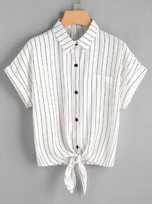 Shirt à rayures avec un nœud en face