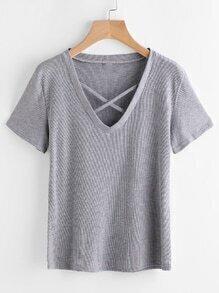 Tee-shirt col en V croisé avec un nœud