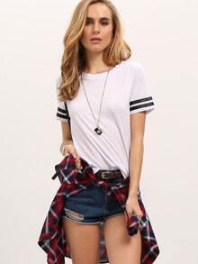 T-Shirt Rundhals mit Streifen an den Ärmeln -weiß