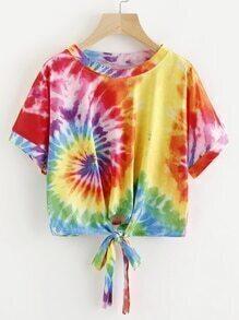 Tee-shirt aquarelle avec un nœud en face