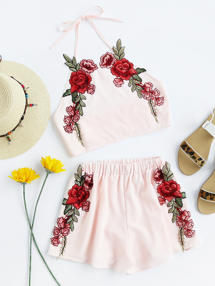Halter Neck Rose Applique Crop Top With Shorts