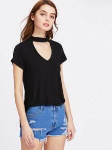 Tee-shirt trapèze col en V avec un collier