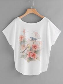 Camiseta con estampado floral de pájaro de manga murciélago