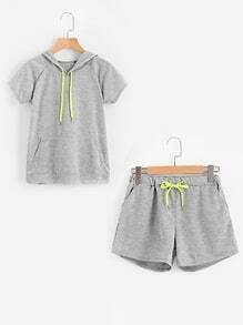 Sweat à capuche manche reglan avec des pochesde kangourou &Shorts