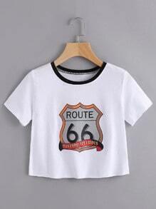 Camiseta corta de borde crudo con estampado de dibujo y letras