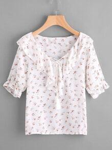 Blusa fruncido con nudo delantero con estampado de margarita de los prados al azar