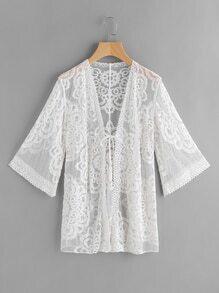 Kimono fino de encaje con cordón delantero