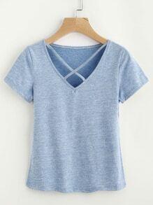 T-Shirt mit V-Ausschnitt und Kreuzgurte