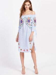Kleid mit Schlitzseite und Knoten Detail