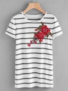 Tee-shirt brodé à rayures avec des appliques