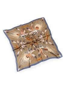 Écharpe satinée imprimée des plumes