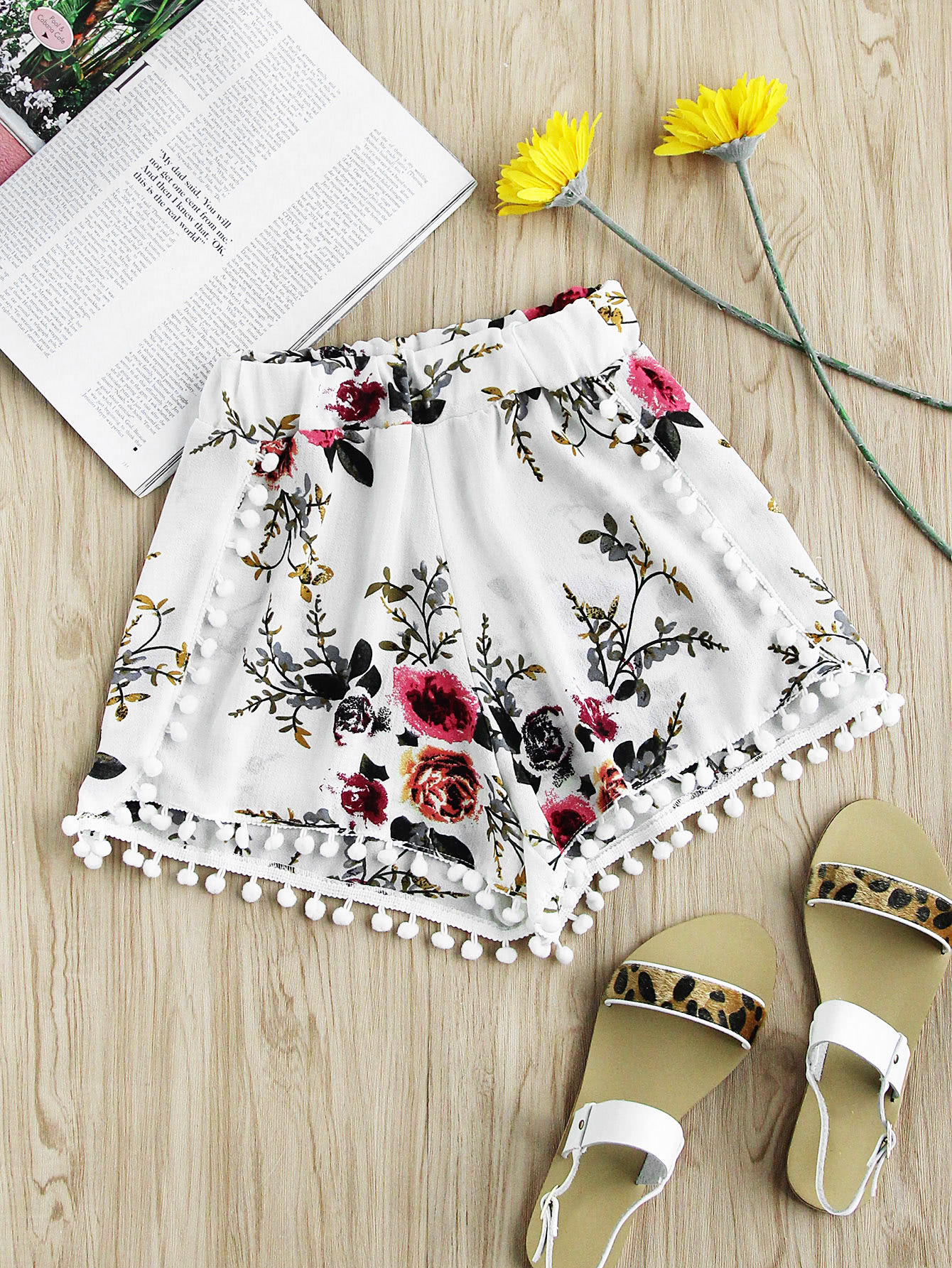 Floral Print Random Pom Trim Shorts