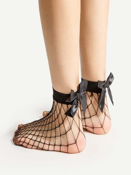 Bow Tie Back Fishnet Ankle Socks