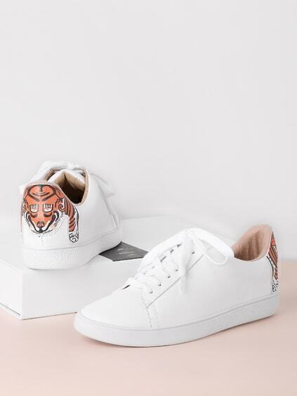 Tiger Patch Back Lace Up Sneakers