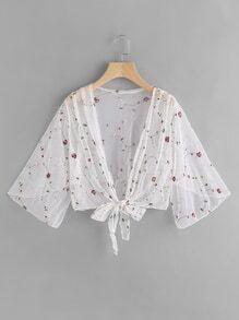 Kimono aus Netzstoff mit Stickereien und Knoten