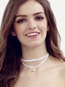 White Pearl Pendant Wavy Choker