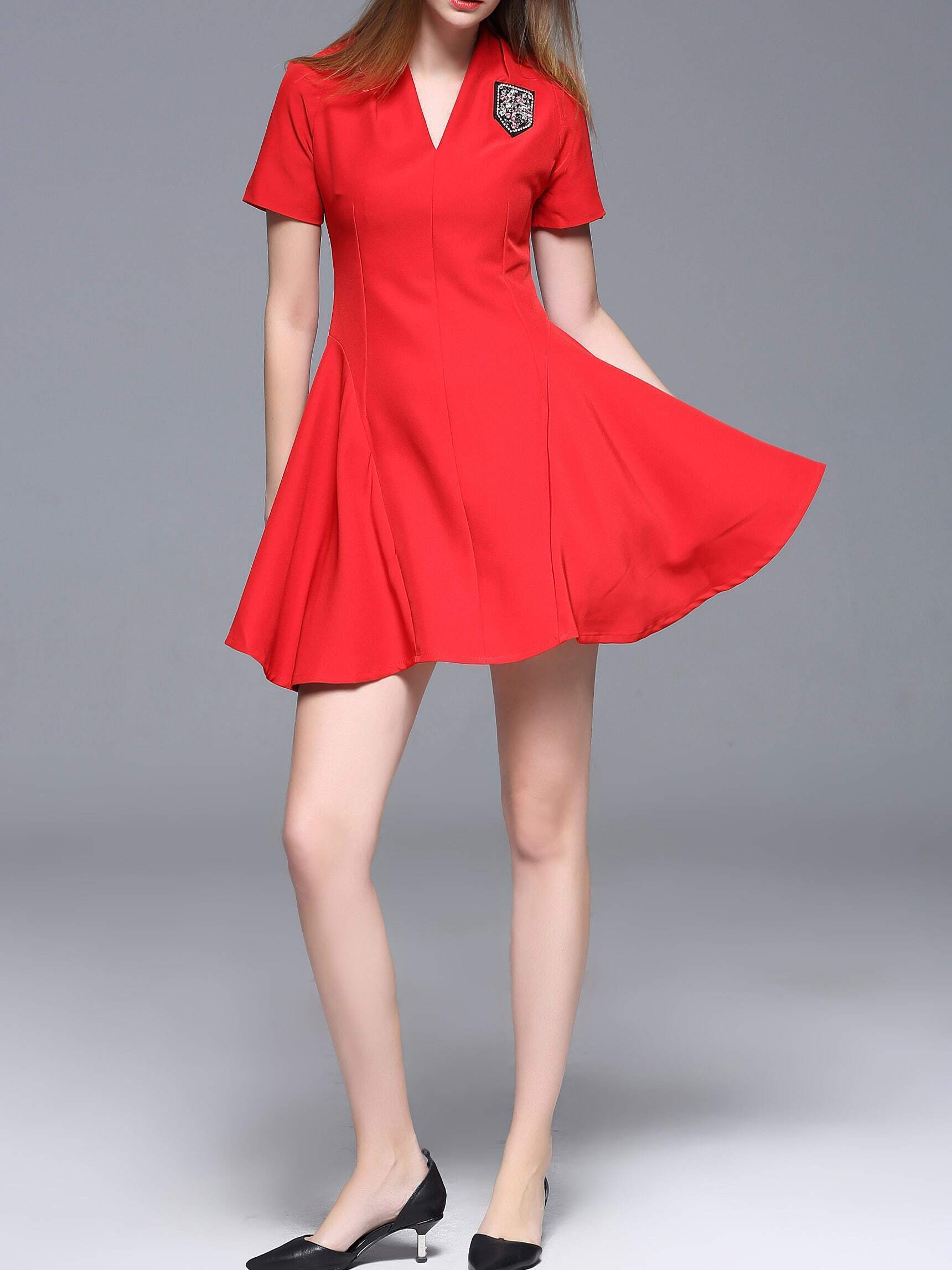 Robe evasee col v avec perles rouge french romwe for Robe rouge évasée