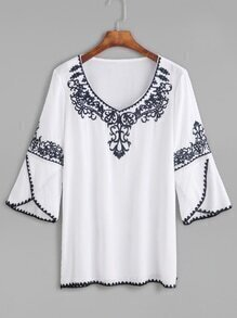 White Embroidery Tulip Sleeve Blouse
