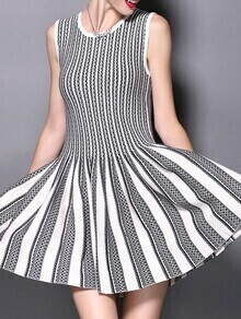 White Black Color Block Pleated A-Line Dress