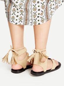 Sandalias con tira en el dedo y cordón de flecos - albaricoque