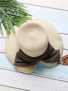 Sombrero de paja con diseño de abertura con lazo - beis