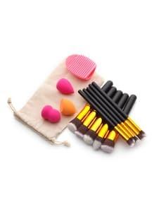 Set herramienta de maquillaje con polvo con brochas de maquillaje