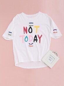 Camiseta asimétrica con estampado de letra con detalle de ojales - blanco