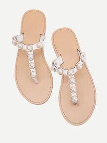 Sandalias con perla de imitación con tira en el dedo