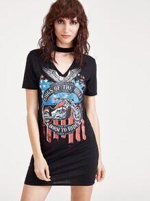 Schwarzes Ausschnitt Choker Neck Bedrucktes T-Stück Kleid