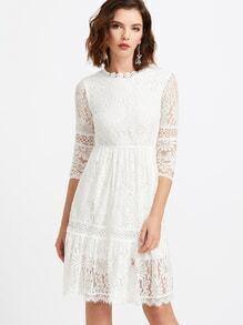 Weißes Spitze-Überlagerungs-Schlüsselloch-Rückseiten-Kleid