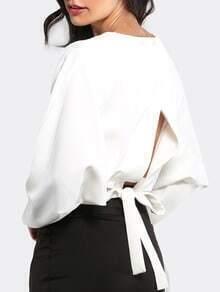 Langarm T-Shirt mit Schleife am Rücken in weiß
