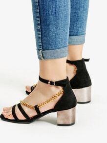 Sandalias de tacón alto con cadena