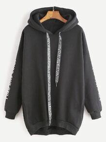 Sweatshirt mit Kapuzen Drop Schulter Slogan Druck abfallendem Saum-schwarz