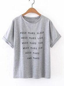 Camiseta estampada de lema de manga de doblez